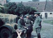 «Коричневые» в цвете: Частные цветные фильмы из Третьего Рейха. Часть 1. 1933-1939 (2010) DVDRip